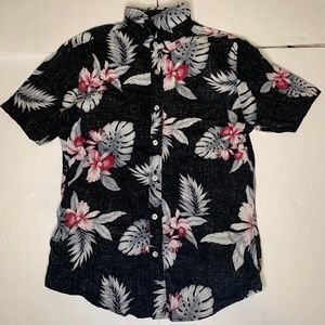 SMALL MENS DARK FLORAL BUTTON UP